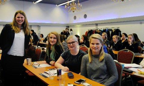 DATASIKKERHET: Guro Storlien, Karoline Moe Arnesen, Lisa Sofie Edelman og Sæther Tea Høvik Knudsen deltok på IT-konferansen Security Divas.