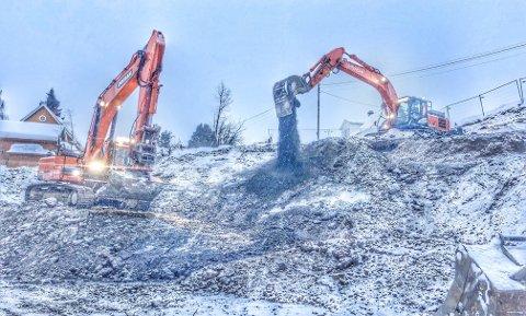 Byggingen av nye Gjøvik transformatorstasjon stenger gangveien mellom Engelandsjordet og CC Gjøvik.