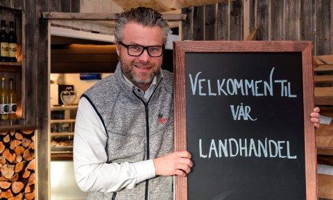 GJØR HOBBY TIL NÆRING: – Jeg har lenge hatt en hobbybasert interesse for lokal mat, sier Ole André Heen-Olsen på Bjørnen. Nå gjør han næring av det.