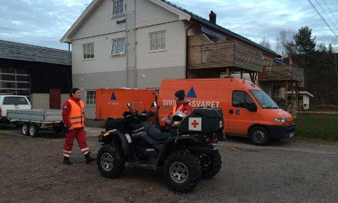 Sivilforsvaret er sammen med flere frivillige organisasjoner, en del av leteaksjonen etter mannen.