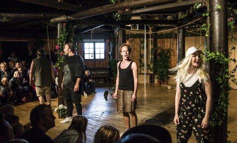 Kruttårn: Mest sommertradisjon ligger det nok i Kruttårnteateret som i år viser «Cyrano» i sitt helt spesielle scenerom.