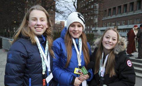 FORNØYDE: Ylva Wilisoo, Maria Gjems French og Ida N. Berger smilte bredt etter intervjuet med kronprinsessen. (Foto: Geir Hjermstad)