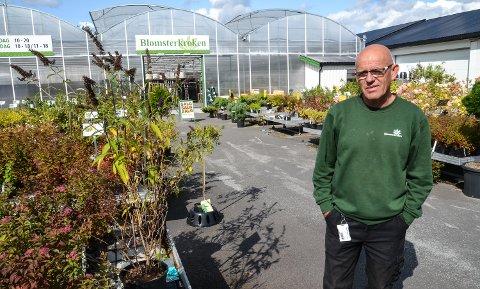 SESONGEN ER OVER: Anders Iversen og kollegene hans stenger nå Blomsterkroken for i år.