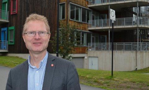 PROVOSERT: Tor Andre Johnsen (Frp) er provosert over at Ap, og til en viss grad Sp, forsøker å stikke kjepper i hjulene for en bomfri sideveg mellom Løten og Elverum. (Foto: Bjørn-Frode Løvlund)