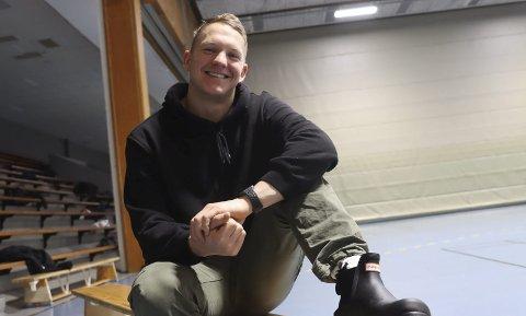 Sindre Svines er Urædd-håndballens miljøarbeider. Han er bekymret for de yngste spillerne i koronakrisa.