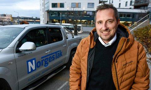 – Vi har troen på lokalt eierskap og forankring, og så er vi nøye med å ta vare på folk som jobber hos oss, de er det viktigste vi har, sier driftleder Marius Undersaker fra Norgestak.