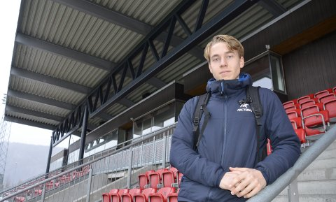 Håkon Nerdal har scoret 18 av de 40 målene som Rana FKs juniorlag har scoret. Torsdag kveld avgjøres det om laget får spille KM-finale mot Bodø/Glimt neste helg. Foto: Trond Isaksen