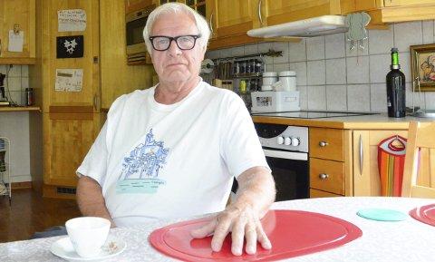 Fra kjøkkenbordet setter leder for Rana Eldreråd, Dag Østerdal, sin lit til at kommunepolitikerne tar de eldre og brukerne av tjenestene innen helse og omsorg, på alvor i høstens budsjettarbeid. – Nå er det denne sektorens tur til å prioriteres, sier 72-åringen.