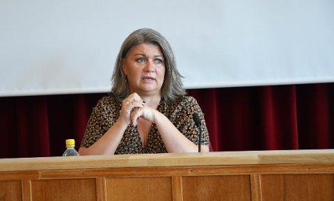 RINGSAKER-ORDFØRER: Anita Ihle Steen (Ap) vil henvende seg til samferdselsministeren og følge opp Ringsakers ønske om permanent fjerning av bommene på Furnesvegen.