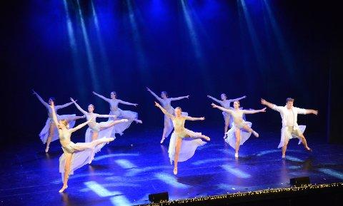 """FROST-BALLETT: Ballett nivå 2 viste oss """"Frozen"""""""