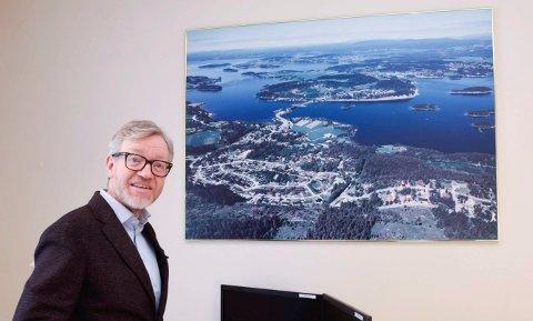 TAKK OG USIKKERHET: Rådmann i Hole, Torger Ødegaard, takker de ansatte for et veldig godt resultat. Men samtidig er han usikker på hva 2018 vil bringe.