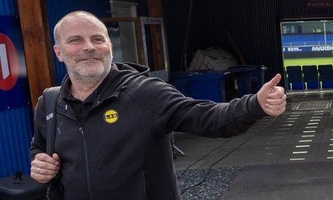 EGET SPILL: LSK-trener Geir Bakke er opptatt av at laget hans ikke mål bli spilt for lave og for lang til mot Vålerenga.