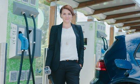 KØ: For mange står i ladekø langs norske veier, mener Christina Bu, generalsekretær i Norsk elbilforening.
