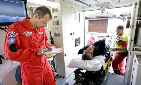 Slag: Hjerneslag krever rask hjelp og her kan en sette diagnosen og hjelpe på vei til sykehuset. Arkivfoto