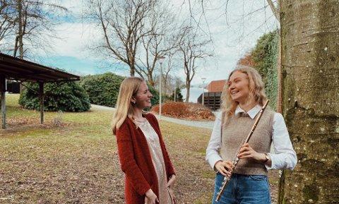 SET TONEN: Maria Bue Kessel (til venstre) og Astrid Bjelland har kjent kvarandre i snart ti år. Dei siste åra har dei tatt opp tråden –eller tonen –igjen.
