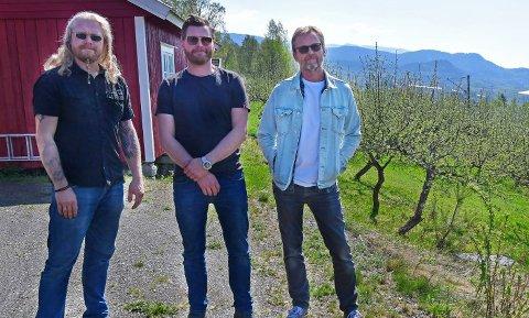 PROG FRA TELEMARK: Med medlemmer fra Notodden og Sauherad, og et album innspilt i vene omgivelser på Hjuksebø, viser Plastic Sun muskler som nytt progband.