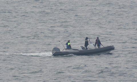 BÅTJAKT: En tipser tok dette bildet i naturparken. – De jaktet fra hurtiggående båt, sier han.