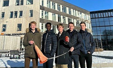 KREATIV KVINTETT: Fra venstre: Mats Ludahl Sørensen, Dan Dylan Ndikumana, Didrik Wiig-Andersen, Tobias Amundrud og Mikael Thorvaldsen.