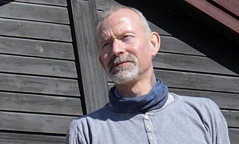KRITISK: Hovedtillitsvalgt Allan Lønvik i Utdanningsforbundet i Inderøy var sterkt kritisk til politikernes prioritering når det gjelder åpningstid i barnehagene i Inderøy