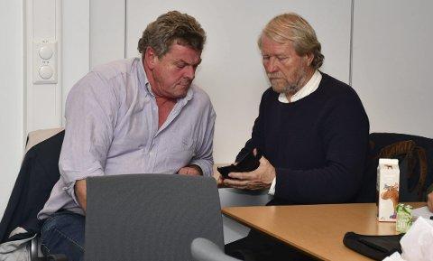 Var til stede på møtet i planutvalget: Bertrand Marcussen (tv) og hans kompanjong Odd Austarheim har brukt mye tid og penger på planleggingen av hyttefeltet i Vakil. Foto: Olav Loftesnes