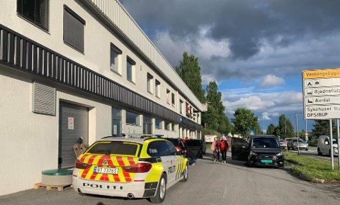 Trafikkuhell: To personer er sendt til sykehus etter trafikkulykke i Aurdal.