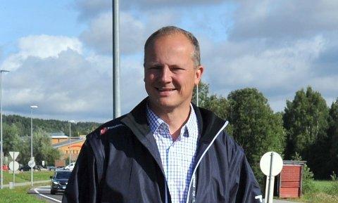 REDEGJORDEOM RV4:Samferdselsminister Ketil Solvik-Olsen da han i fjor sommer gjorde en kort stopp i Nittedal sentrum.