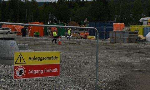 ÅSTEDET:Fra byggeplassen på Elvetangen tidligere i sommer.