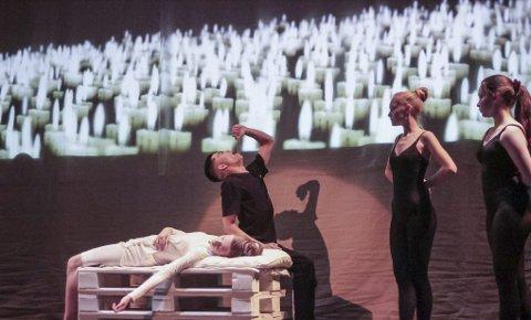 Høydepunktet: Arrangørerene har fått med seg proffdansen Kevin André Tan Vasquez til å spille Romeo. Klara Bloma Mohn sto for rolletolkningen av Julie.Privat