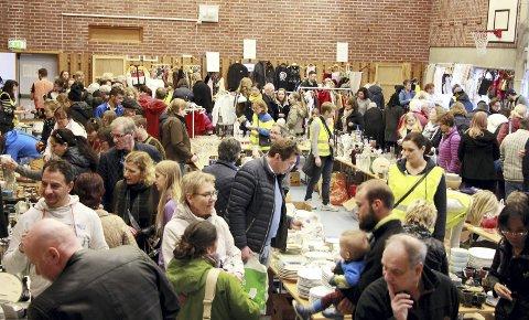 Populært: Det var god oppslutning på Drøbak og Frogn Skolekorps' loppemarked i fjor. foto: Mariann L. Dahle