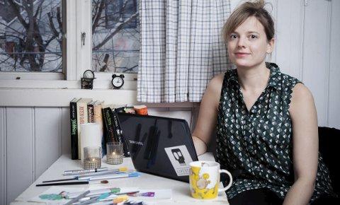 KREATIV: Anne Linn Vingelsgaard Schärer debuterer med barnebok før jul. Tidligere i år hadde Anne Linn små fortellinger på trykk i Retten, der handlingen også utspant seg på gården Lilletun slik som den gjør i boka.