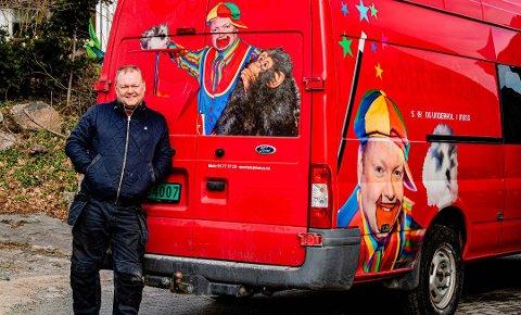 Morten Ur mistet hele inntektsgrunnlaget over natta da koronaen kom til Norge. Nå må klovnen Mortini lete etter nye måter å tjene penger.