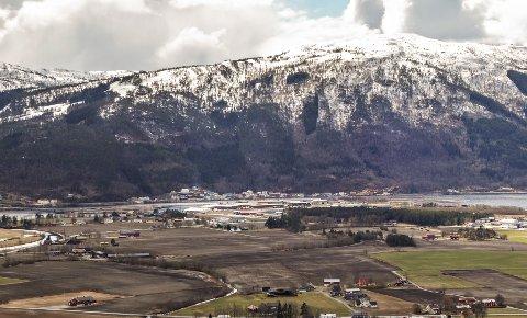 Surnadal er Norges største delta, framholder Dordi Skuggevik.