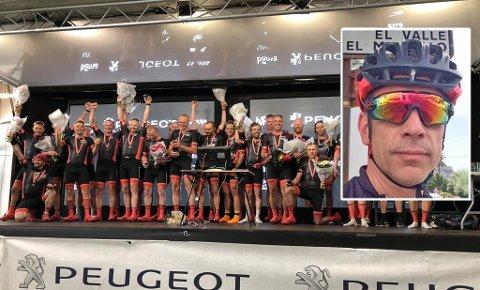 JUBEL: Terje Olav Valle (innfelt) og resten av Trønderekspressen kunne juble for å ha vunnet lagkonkurransen i Styrkeprøven, som gikk de 543 kilometerne fra Trondheim til Oslo lørdag.