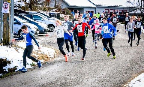 STOR FART: Kristoffer Apelthun Færø gjekk ut i stor fart og tok teten ned første bakken.
