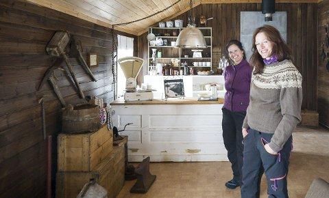 Line-Peggy Pedersen og Anne-Marit Oleen startet opp  med Rallarbrakka fjellrestaurant i 2014/2015, med Meløys og Statkrafts 100 år gamle krafthistorie som basis for satsingen.