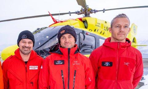REDNINGSTEAMET: Anestesilege Eckhard Mark, redningsmann Tor Henrik Larsen og pilot Njål Bjelland rykket ut for å berge 51 år gamle Trond Løkke.