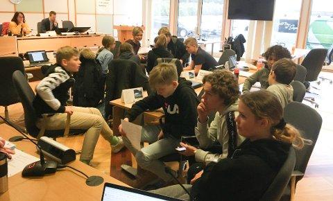 Høyttalerkjøp: BUK hadde behov for to gruppemøter under behandlingen av Harestad skole forslag om innkjøp av høyttalere til Randaberghallen.