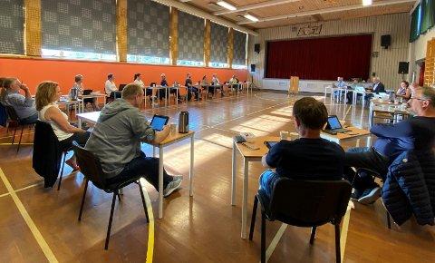 VENSTRE MOT RESTEN: Her blir reguleringsplanen for North Sea Energy Park i Hetlandsskogen vedtatt. Bare Tore Malmei (V) stemmer for å avvisa planforslaget.