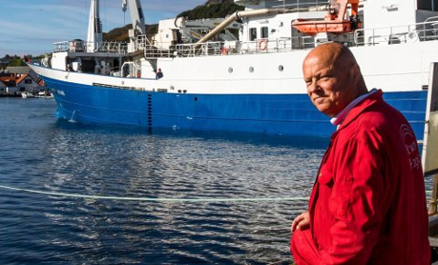Per Røys og Pelagia i Kalvåg leverer silda til Sildebordet.