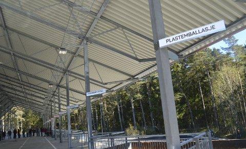 Soltak: Den nye miljøstasjonen på Sandbakken blir enda mer moderne når taket blir dekket med solcellepanel. Det skal gi energi til miljøstasjonen og flere andre kommunale bygg i nærheten.