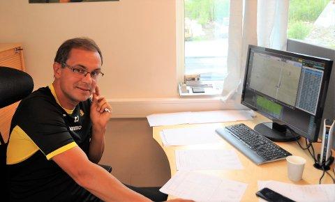 Lillehamringen Christian Johnsen er trener for Raufoss Fotball, som kjemper om kvalifiseringsspill til Eliteserien.