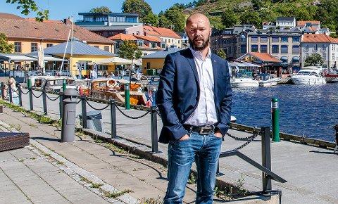 GODE RÅD: – Husk at dine forpliktelser og lojalitet først og fremst skal være til Halden og folkene som bor her, skriver Arve Sigmundstad.