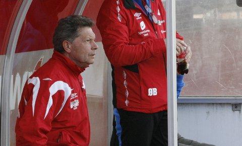BITTERT: OFK-trener Magne Nondal var skuffet etter kampen mot Fana. - Det var like bittert som Donn-kampen i første runde. Vi hadde vært fornøyd med ett poeng i dag, sier Nondal. Det endte med 3-2 tap.
