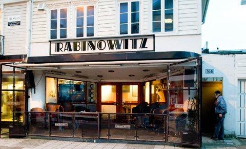 Puben Rabinowitz har fått klager på høy musikk. Angivelig både om dagen og kvelden.