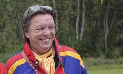 NY VERDEN: Fotograf, laksefisker og sauebonde Harry Johansen bor i Torhop. Nå har hele bygda endelig fått bedre nett- og mobildekning.