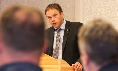 FISKERIPOLITIKK: Kommunestyret i Tana, her representert ved ordfører Frank M. Ingilæ (Ap) vedtok torsdag en fiskeripolitisk uttalese.
