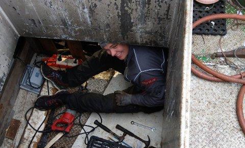 REISER MYE: Joakim Ingebrigtsen flyttet tilbake til hjembygda Skjånes for å bli reisende mekaniker etter at gruva gikk konkurs.