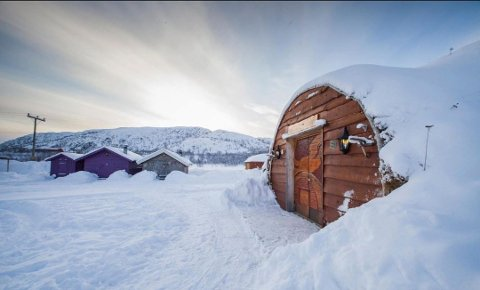 SELGES: Polmak Gaiatun ligger igjen ute til salgs. De siste eierne kjøpte stedet i 2015, men har etter tre års drift valgt å stenge driften og selge.