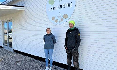 GÅRDSUTSALG: Her, ved Kyrkjevegen 520 på Vigrestad, er snart Vadland Gardsutsalg oppe og står. Driften er det Elin Nesvik og Bjørn Aarsland som har hovedansvaret for.