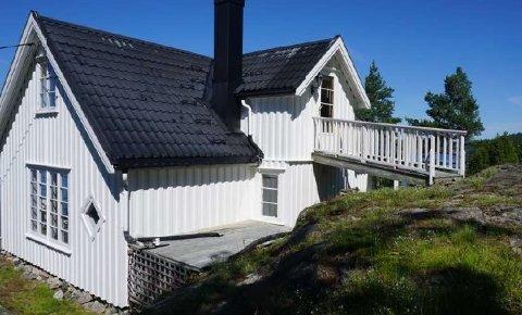 VIL UTVIDE: Hovedutvalget for plan og bygg har vært på befaring på fritidseiendommen på Vestre Gumøy.